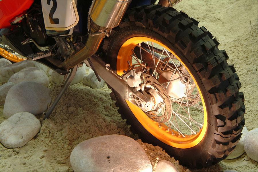 Radlager wechseln beim Motocross Motorrad